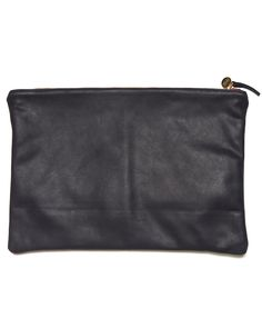 quite possibly the most simple, sublime laptop case ever. (it doubles as a clutch!)