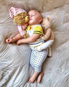 So precious! @yogabeyond #FunnyBaby #baby #babycute #babystuff #babyphoto #babyfashion #babymodel #babystyle #babys #instababy #babydoll #happybaby #parenthood #parenting #motherhood Funny Babies, Cute Babies, Bedtime Yoga, Baby Models, Young Ones, Baby Needs, Happy Baby, Mom And Baby, Baby Photos