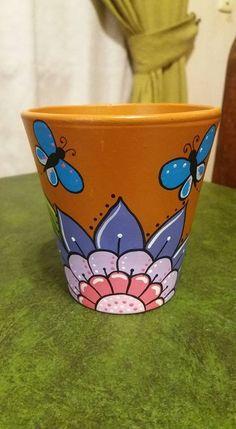 Pot ideas Flower Pot Art, Flower Pot Design, Clay Flower Pots, Flower Pot Crafts, Clay Pot Crafts, Clay Pots, Painted Plant Pots, Painted Flower Pots, Pop Up Flower Cards