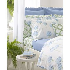 Matouk King Diamond Pique Coverlet ($196) ❤ liked on Polyvore featuring home, bed & bath, bedding, quilts, matouk bedding, floral bedding, matouk, matouk bed linens and blue bedding