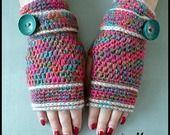 """Mitaines crochetées main """"Les Arlequins et Gros Bouton"""" : Mitaines, gants par mamountricote"""