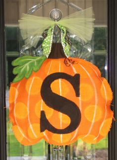 burlap door hangs | burlap fall door hanger | Craft Ideas
