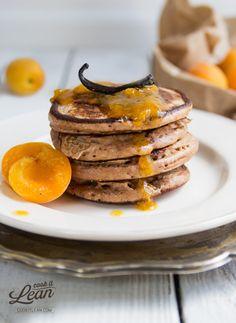 Kasztanowe pancakes z morelami (z mąki kasztanowej) - Cook it Lean - sprawdzone paleo przepisy