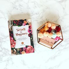 What makes you happy? Make your own list of happiness☺️ . . #happiness #happy #pompom #peachybox #design #art #smile #marble #office #interiordesign #flowers #color #sun #photo #inspiration #book #bookcover #mind