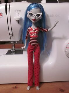 Monster High doll PJ pants pattern - click the image from the livejournal page and it will *hopefully* open the PDF pattern.