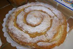 Hoy vamos a preparar una deliciosa receta española para la merienda, se trata de una especie de pan ...