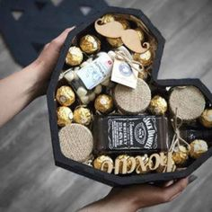 Creative Gifts For Boyfriend, Boyfriend Gifts, Gift Baskets For Him, Gourmet Gifts, Wooden Puzzles, Diy Birthday, Box Design, Yummy Drinks, Valentine Gifts