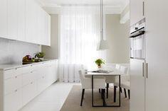 Ce sont les rideaux de cuisine qui donnent la touche finale au décor et qui créent une ambiance confortable où vous jouirez de la préparation de la nourritu