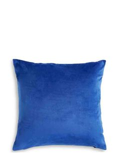 Shop Cushions & throws at Marks and Spencer . For versatile Cushions & throws with classic styling and contemporary elegance, visit Marks and Spencer Dining Room Shelves, Living Room Storage, Dining Rooms, Velvet Cushions, Cushions On Sofa, Sofa Throw, Throw Pillows, Girls Bunk Beds, Spencer