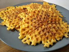 Low Carb Käse-Mett Waffeln Breakfast Snacks, Tea Time, Waffles, Healthy, Food, Waffle Iron Recipes, Savory Waffles, Pancake, Side Dishes
