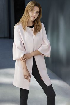 Work your look this fall We just love these bell sleeves on this TED BAKER jacket. Read more on how to update your office look from stockmann.com/inspiroidu #stockmann #inspiroidu Ted Baker Jacket, Bell Sleeves, Bell Sleeve Top, Office Looks, Office Ladies, Daily Look, Office Wear, Lady, How To Wear
