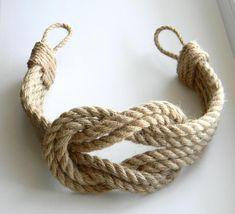 Curtain Tie back.Curtain Tie-backs Jute Rope Double Square Knot. Curtain Tie Backs Diy, Rope Curtain Tie Back, Rope Tie Backs, Curtain Ties, Jute, Nautical Curtains, Nautical Bedroom, Rideaux Design, Deco Marine