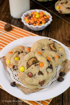 Reese's Peanut Butter Pudding Cookies - this soft chewy cookie recipe is perfect for filling your cookie jar with!