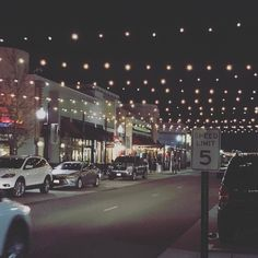 Caught a movie down here earlier.. Kind of a quaint little metropolis #movie #denver #colorado #usa #chilly #weather #lights #city #travel #photography #iphone #iphone7 #halliburton #movie #saturdaynight #dayoff http://tipsrazzi.com/ipost/1524458416956668596/?code=BUn9tpxjnq0