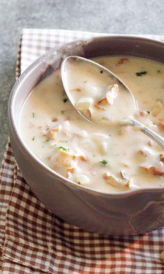 Kantarellikeitto | Maku Soup Recipes, Vegetarian Recipes, Cooking Recipes, Yummy Recipes, Good Food, Yummy Food, Healthy Food, Scandinavian Food, Salty Foods