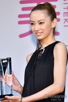 """(画像2/6)北川景子「とても幸せな一年」""""輝いていた""""2014年を振り返る Keiko Kitagawa, Pretty Woman, Camisole Top, Japanese, Actresses, Tank Tops, Beautiful, Black, Asian Models"""
