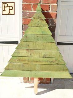 handmade pallet wood tree