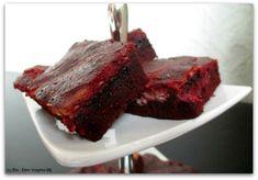 Super lekkere red velvet cheesecake brownies! Een variant op de klassieke red velvet cake. Leuk en makkelijk om te maken. Recept vind je hier!