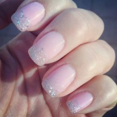 GET GORGEOUS HANDS WITH GEL MANICURE