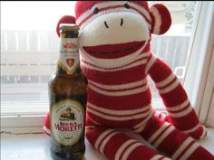 Italy! The land of lurve! Here I am with a bottle of Birra Moretti - it's qualita e tradizione - it says so right on da bottle.
