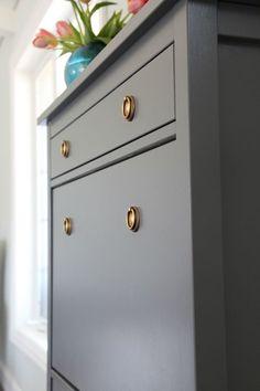 Målat skoskåp från ikea! sjukt fint!! DIY på länken! IHeart Organizing: One Room Challenge Week 3 - Painted Shoe Cabinet & Seating Update