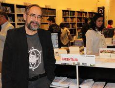 Eduardo Casar, autor de Parentalia ediciones, en la Feria
