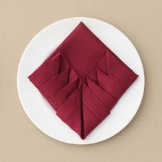 7 Ways to Fold a Napkin for Your Big Day and Every Day