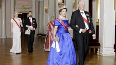 Stortingsmiddag 2015. Kronprinsesse Mette-Marit, kronprins Haakon, prinsesse Astrid, dronning Sonja og Kong Harald