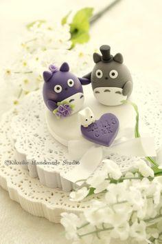 Plain heart base, holding hands-Totoro wedding cake topper   by charles fukuyama