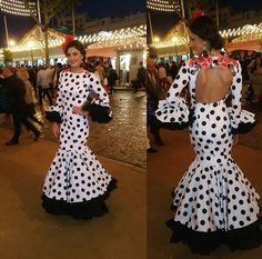 Vestido de flamenca blanco con lunar negro @cristilopezjapon Dance Dresses, Cute Dresses, Fiesta Outfit, Black White Red, Dressmaking, African Fashion, Vintage Outfits, Polka Dots, Cold Shoulder Dress