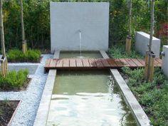 vijver Diy Garden Furniture, Water Features In The Garden, Mediterranean Garden, Rooftop Garden, Small Gardens, Garden Planning, Garden Inspiration, Beautiful Gardens, Nature