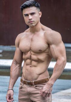 Sexy naked buff men