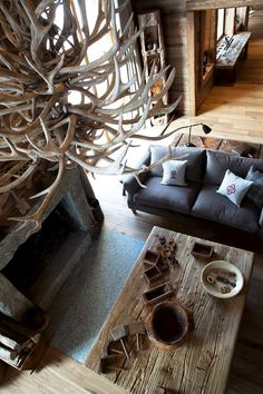 SHL Lodge in Meribel, France - White Blancmange Chalet Style, Lodge Style, Ski Chalet, Hunting Lodge Decor, Alpine Lodge, Lodge Look, Chalet Interior, Luxury Towels, Cabin Homes