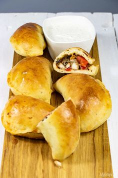 Pierogi a'la kebab Appetizer Recipes, Dessert Recipes, Iranian Food, Calzone, Middle Eastern Recipes, Appetisers, Kabobs, Poached Eggs, Plated Desserts