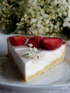 HOLLER-hi HOLLER-ho - Holunderblütentarte mit Erdbeeren | Salzkorn–meine Gartenküche