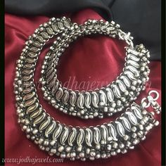 Antique Jewellery, Jewellery Designs, Antique Rings, Antique Silver, Silver Anklets Designs, Anklet Designs, Wire Jewelry, Silver Jewelry, Anklets Online