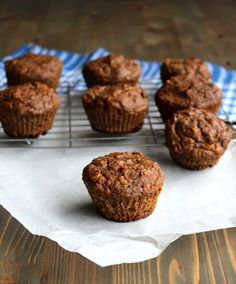 Whole Wheat Carrot Banana Muffins. Carrot and banana muffins made with whole wheat flour - and no added sugar! Sweetened with carrots bananas and dates or prunes! Healthy Dessert Recipes, Real Food Recipes, Baking Recipes, Brunch Recipes, Bread Recipes, Diet Recipes, Breakfast Recipes, Banana Carrot Muffins, Carrot Cake
