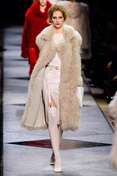 Super abrigo Great Gatsby Party, The Great Gatsby, Long Fur Coat, Glamour, Outfits, Fur Jackets, Nice, Inspiration, Fashion