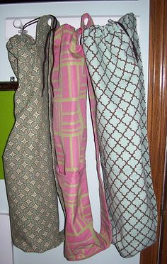Yoga Bags- Bohn Could you make these? Yoga Strap, Yoga Mat Bag, Quilt Blocks, Sewing Projects, Arts And Crafts, Diy Stuff, Crafting, Bags, Craft Ideas