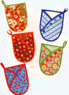 Hot Stuff Quilted Oven Mitts Pattern to Sew by Vanilla House Designs