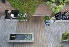 Just 350 cm wide.  design: Carrie Preston (Studio TOOP) location: Den Bosch, NL photograph: Jolanthe Lalkens built: Jan Abrahams Hoveniers.    www.studiotoop.nl