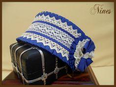 Diadema infantil azul Lolita Fashion, Baby Headbands, Chanel Boy Bag, Communion, Hair Accessories, Shoulder Bag, Crochet, Design, Head Bands