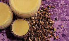 Kostivalová mast - nejlepší na bolavé klouby a svaly   Přímo od Včelařky How To Dry Basil, Eyeshadow, Herbs, Cosmetics, Homemade, Webhosting, Makeup, Plants, Beauty