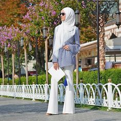 Out an about on such a lovely day. Always love my spring colors.💙 Tag your friends who would like this outfit 😉  #hijabinstylemiami . . . #hijabfashion  #simplycovered #hijabstyle_lookbook #hijabmuslim  #hijabiselegant #chichijab #muslimahchamber #hijabystreetstyle #hijablovee  #hijabindonesia #muslimahapparelthings  #muslimahfashion  #hijaboftheday #hijabmurah #hijabsolo #hijabshop #hijabmodern #hijabness19