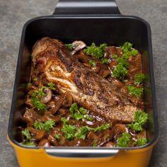 Roast pork tenderloin in mushroom sauce / Helstegt svinemørbrad i svampesauce