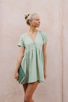 Chic Stay At Home Outfits To Wear This Night – Trendy Fashion Ideas Babydoll Dress Outfit, Green Dress Outfit, Green Dress Casual, Green Summer Dresses, Summer Dress Outfits, Spring Outfits, Light Green Dresses, Dresses Short, Cute Dresses