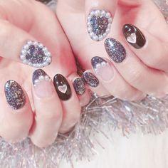 いいね!55件、コメント3件 ― ARiSAさん(@pmpmari)のInstagramアカウント: 「❤︎❤︎ * やっとネイルいけた〜〜! 今回はめずらしく黒❤︎ * #nail #newnails #newnail #sparkbybubbles #black #blacknails…」