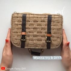 Get creative accessorize your home with this unique decorative suitcase By Dream Fairy Diy Diy Crafts Hacks, Diy Crafts For Gifts, Diy Home Crafts, Diy Arts And Crafts, Creative Crafts, Creative Makeup, Sacs Tote Bags, Diy Karton, Diy Vintage