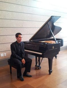 Today after performing for my benefactors, the Coral Gables Music Club, at the Coral Gables Art Museum.  MaxHolm.com