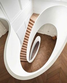 Sculptural And Minimalist Home Design By Steven Harris Architect minimalist home design Sculptural And Minimalist Home Design By Steven Harris Architect boston house 9 Modern Staircase, Staircase Design, Stair Design, Staircase Ideas, Spiral Staircases, Design Design, Design Ideas, Yanko Design, Loft Design